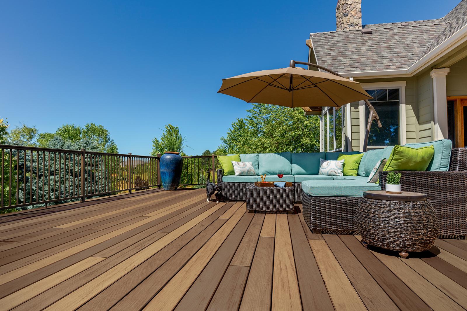 Landscaping, Decks & Fencing   Lind Lumber